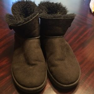 Ugg bailey buttons